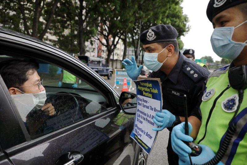 Malaysia tingkatkan tes virus corona ketika bersiap untuk 'skenario terburuk'