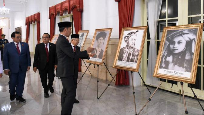 Presiden memberikan gelar pahlawan nasional pada enam tokoh, Jumat (8/11/2019). (foto: Biro Pers Sekretariat Presiden)