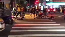 捷運站前對撞 雙載騎士噴飛送醫搶救