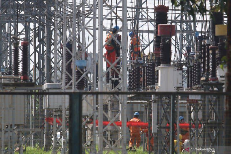 Pengamat: Penurunan tarif listrik dongkrak produksi dan daya beli