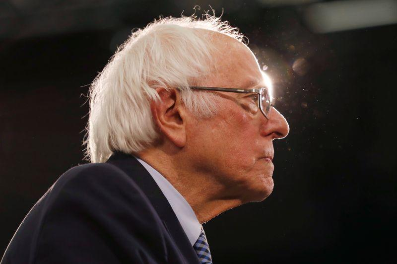 Bernie Sanders kepada troll online: Hentikan 'serangan pribadi jahat'