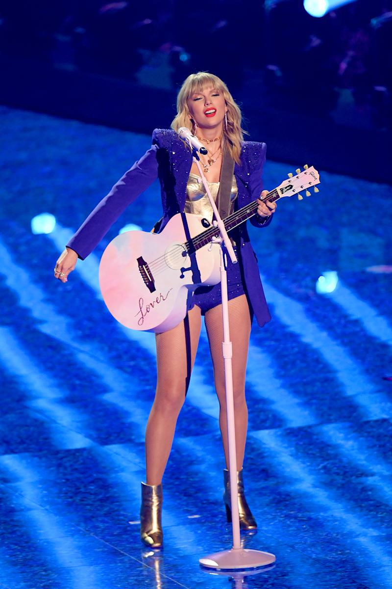 Taylor Swift performs onstage during the 2019 MTV Video Music Awards at Prudential Center on August 26, 2019 in Newark, New Jersey. (Photo by Mike Coppola/Getty Images for MTV)
