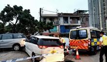私家車青葵公路衝路障狂飆至屯門 警員追截拔槍6男女被捕