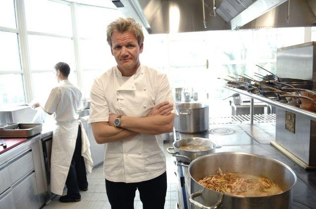 Chef Gordon Ramsay gives a class on how to wash your hands