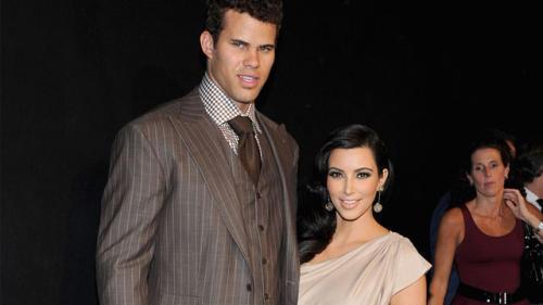 Kim Kardashian Settles Divorce with Kris Humphries