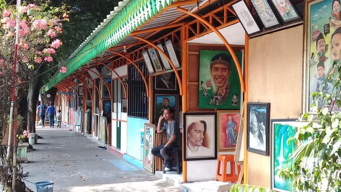 Kawasan kios pelukis di Sentra Lukisan Pasar Baru (dok Liputan6.com/Ossid Duha Jussas Salma)