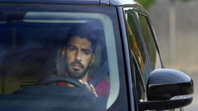 Luis Suarez sesaat setelah berpamitan dengan Barcelona