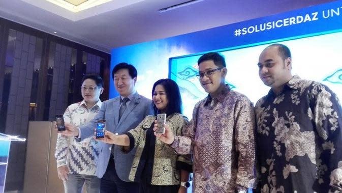 Jajaran Petinggi Samsung Indonesia di Acara Peluncuran Samsung Z2 di Jakarta, Rabu (19/10/2016). Liputan6.com/Mochamad Wahyu Hidayat
