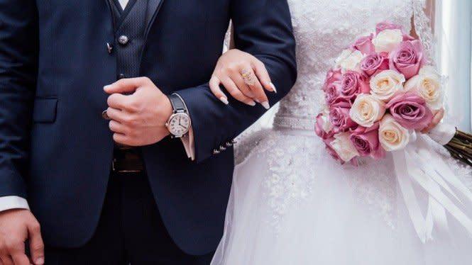 3 Cara Romantis Rayakan Anniversary di Masa Karantina COVID-19