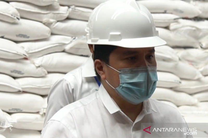 Jelang Lebaran, Menteri BUMN sidak ke Gudang Bulog Bandung