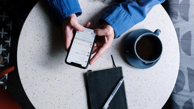 Ilustrasi ponsel | cottonbro dari Pexels