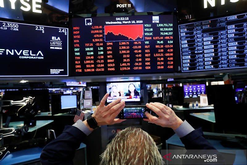 Wall Street ditutup bervariasi di tengah sejumlah data ekonomi terbaru