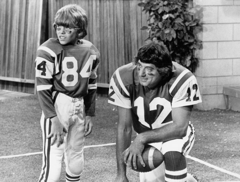 MIKE LOOKINLAND, JOE NAMATH
