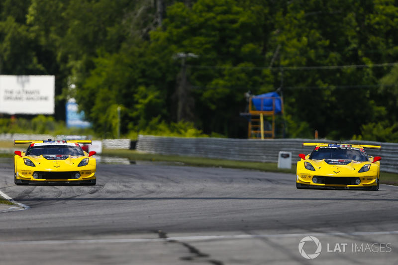 Corvette squad explains late-race double position switch