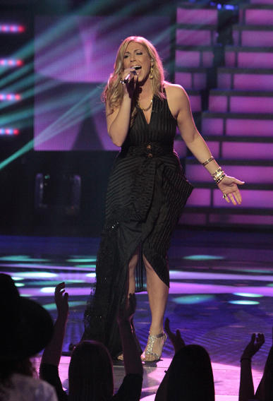 "Elise Testone performs ""Let's Stay Together"" by Al Green on ""American Idol."""