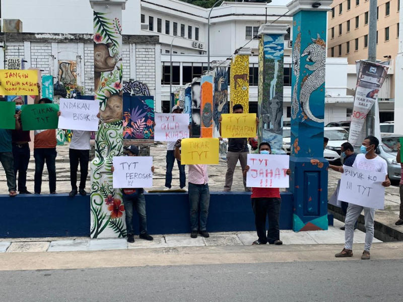 Demonstrators hold handmade placards in Kota Kinabalu demanding Sabah Governor Tun Juhar Mahiruddin decide quickly their next chief minister on September 28, 2020. — Picture from social media