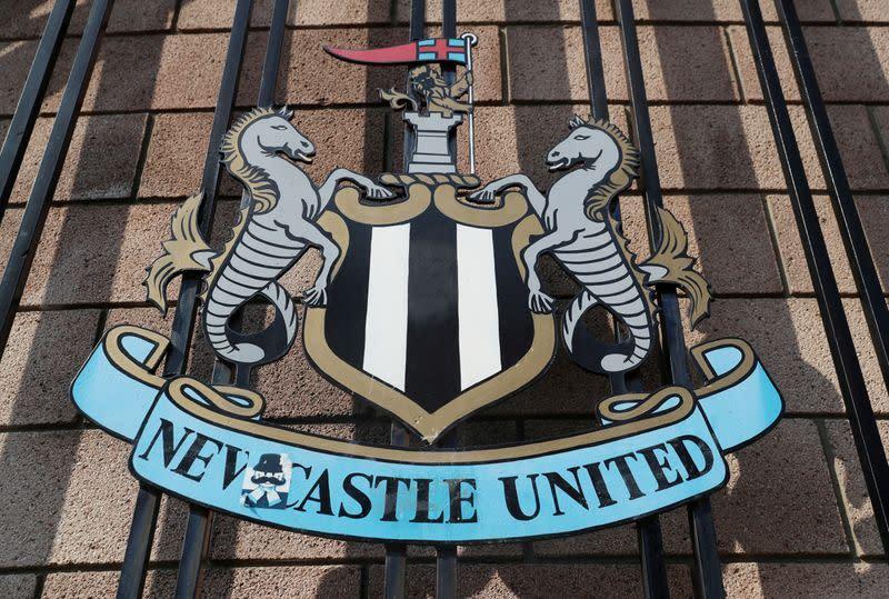 Eksklusif: Perusahaan yang akan membeli Newcastle United mengaku memalsukan foto Obama
