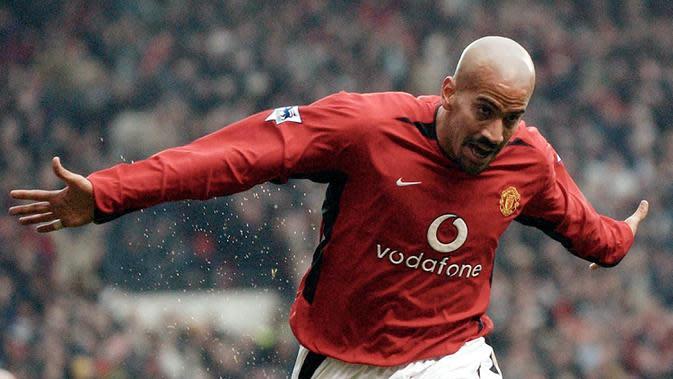 Juan Sebastian Veron - Veron adalah bintang Argentina yang mencetak gol mengesankan dalam pertandingan Tottenham Hotspur melawan Manchester United. Veron bergabung dengan The Red Devils pada tahun 2001-2003. (AFP/Paul Barker)