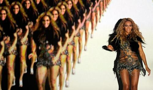 Beyonce's 2011 Billboard Music Award Performance Sparked Controversy, Preceded Album Devoid Of Top 10 Hits
