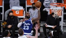 NBA》帕總稱讚詹姆斯:像阿里勇於發聲
