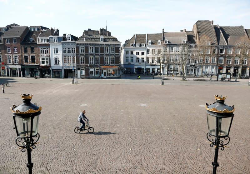Dutch PM Rutte: ban on public gatherings is 'intelligent lockdown'