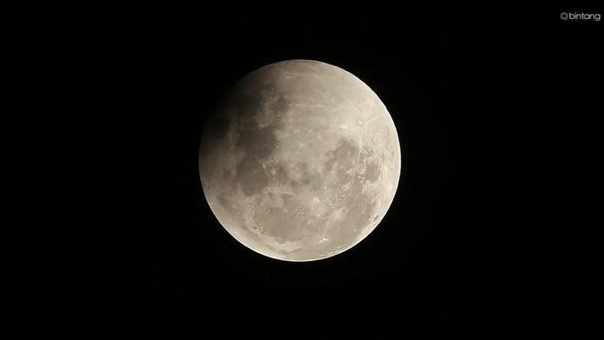Ilustrasi gerhana bulan total. (Foto: Bambang E.Ros)