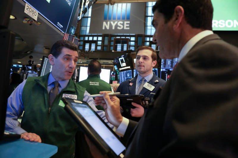Wall Street dibuka lebih tinggi, pasar fokus pada stimulus AS