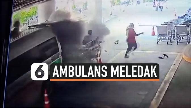 VIDEO: Ambulans Tiba-Tiba Meledak Saat Angkut Pasien