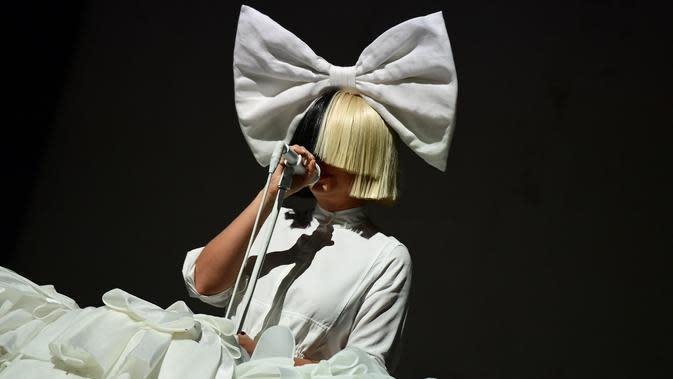 Sia (ATTILA KISBENEDEK / AFP)