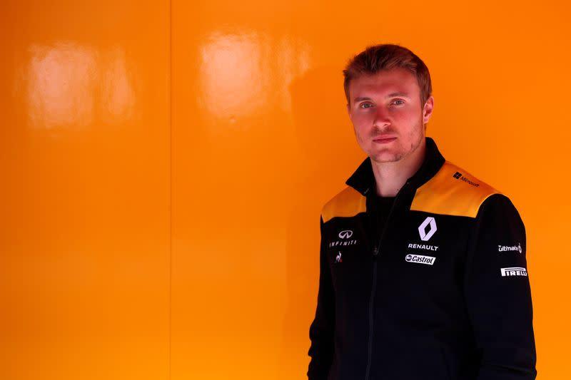 Motor racing: Renault retain Sirotkin as F1 reserve