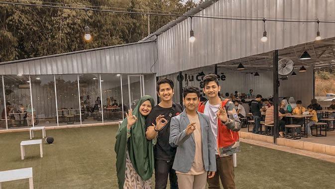 Kekompakan kakak beradik, Syakir Daulay dan Zikri Daulay. (Sumber: Instagram/@zikridaulay1)