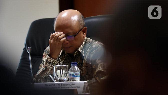 Ekspresi Dirut PT Asuransi Jiwasraya Hexana Tri Sasongko saat menjadi pembicara pada acara diskusi Penyelesaian Gagal Bayar Jiwasraya di Kompleks Parlemen, Jakarta, Rabu (15/1/2020). Diskusi mengangkat tema