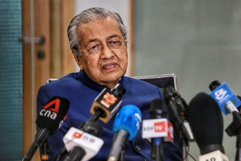 Tun Dr Mahathir Mohamad also claimed that Perikatan Nasional had resorted to 'buying' assemblymen to gain support. — Picture by Ahmad Zamzahuri
