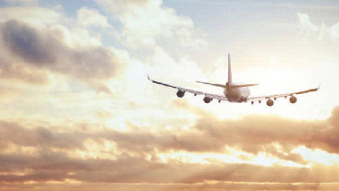 Pesawat Boeing 757 Dilaporkan Terbakar Saat Lepas Landas di Manchester