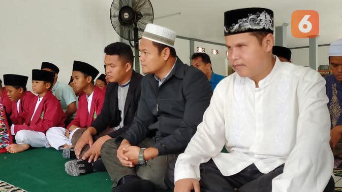 Ustaz Ismail, Mego Husodo, dan para santri Takwinul Ummah, Karawang, (13/1/2020).