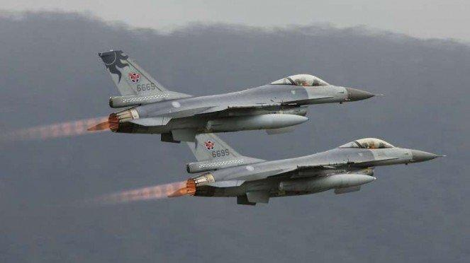 VIVA Militer: Jet tempur F-16V Fighting Falcon Angkatan Udara Taiwan (ROCAF)
