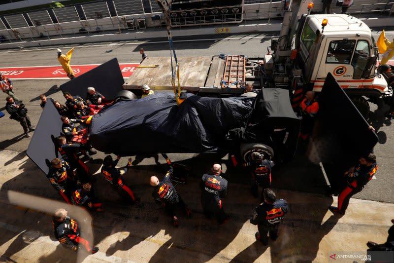 Wabah virus corona bikin pusing logistik Formula 1