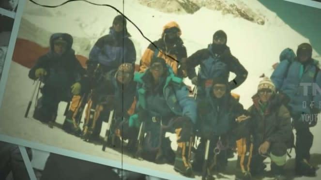 VIVA Militer: Brigjen TNI Iwan Setiawan Bersama Tim Ekspedisi Pendakian Everest