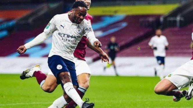Sterling Bawa Manchester City Sikat Burnley