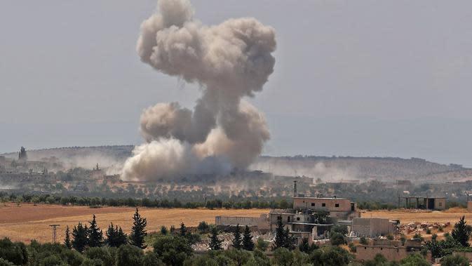 Ilustrasi serangan udara di provinsi Idlib Suriah yang bergejolak (AFP/Omar Haj Kadour)