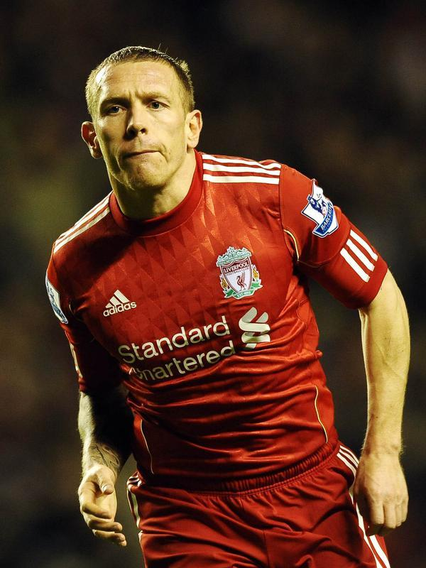 Craig Bellamy - Pensiun pada tahun 2014, Craig membangun yayasan olahraga terutama sepakbola. Mantan pemain Liverpool tersebut memulai proyek yayasan nya dengan menyumbangkan dana £1,4 juta ke Sierra Leone. (AFP/Paul Ellis)