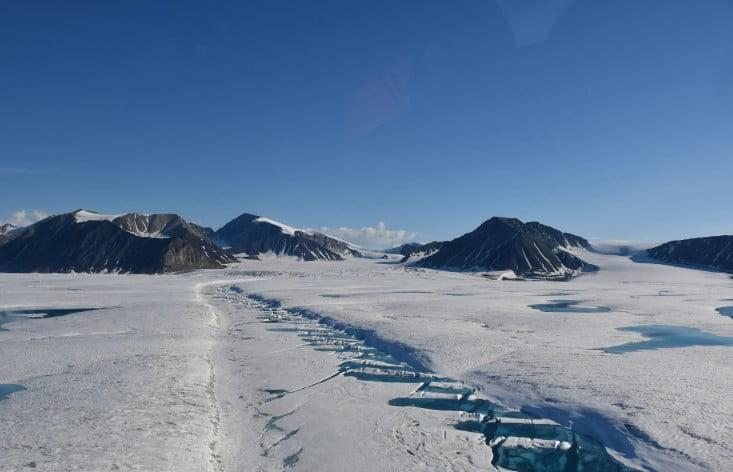 A Canadian ice shelf has collapsed into giant ice islands