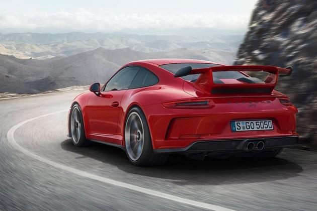 Porsche 911 GT3 不只賽道快,直線加速一樣很暢快,0-250 km/h 加速影片熱血沸騰