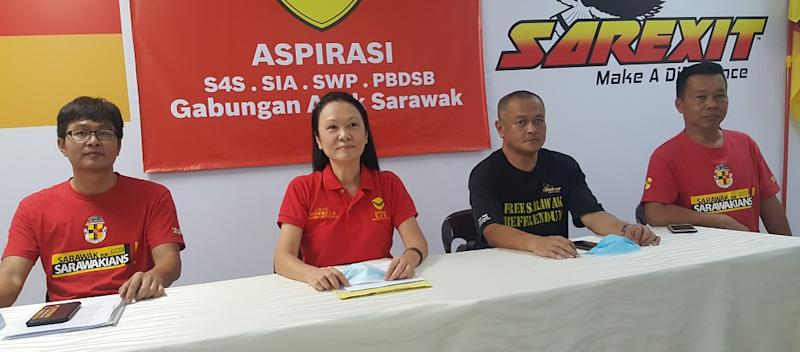 Aspirasi president Lina Soo with state's rights activists (from left) Leong Shaow Tung, Chang Chee Hiong and Tan Kok Chiang, August 8, 2020. ― Picture by Sulok Tawie
