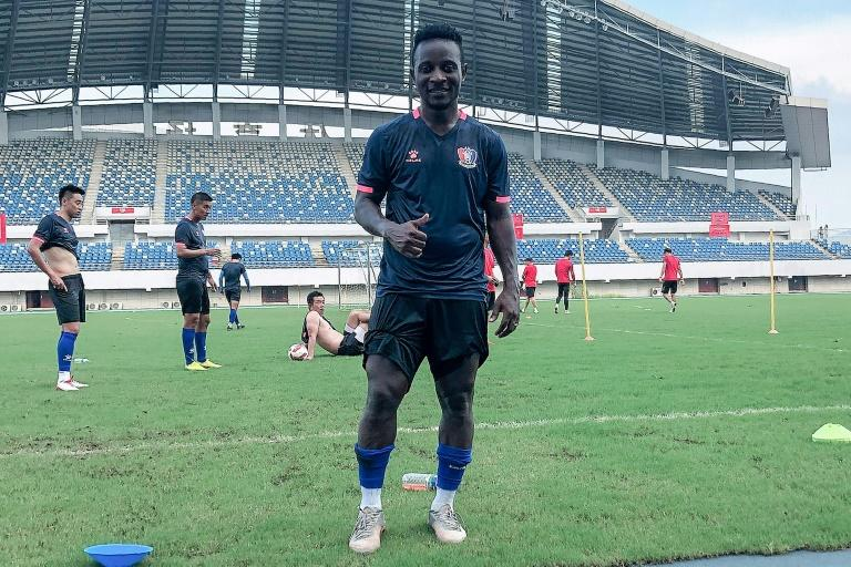 From Ivorian student to footballer in China - with help from coronavirus