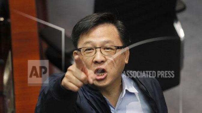 Junius Ho, anggota DPR Hong Kong. (Source: AP/Kin Cheung)