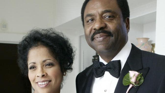 David Steward, miliarder kulit hitam anak pemulung yang berhasil sukses.