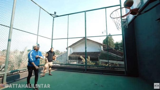 Denny Cagur Punya Taman Air di Belakang Rumah, Intip 7 ...