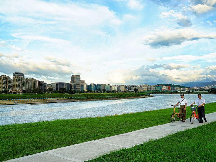 河濱迎風安心遊