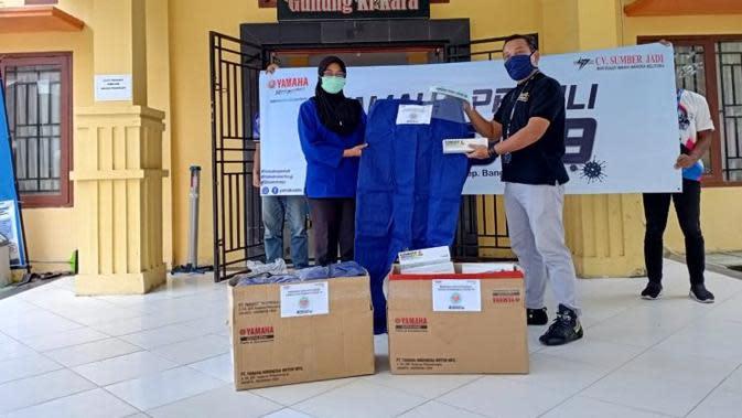 Lawan Corona Covid-19, Dealer Yamaha Ini Produksi Face Shield dan Disinfektan